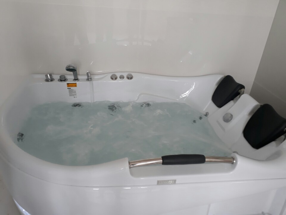 Bồn tắm massage PM-1010
