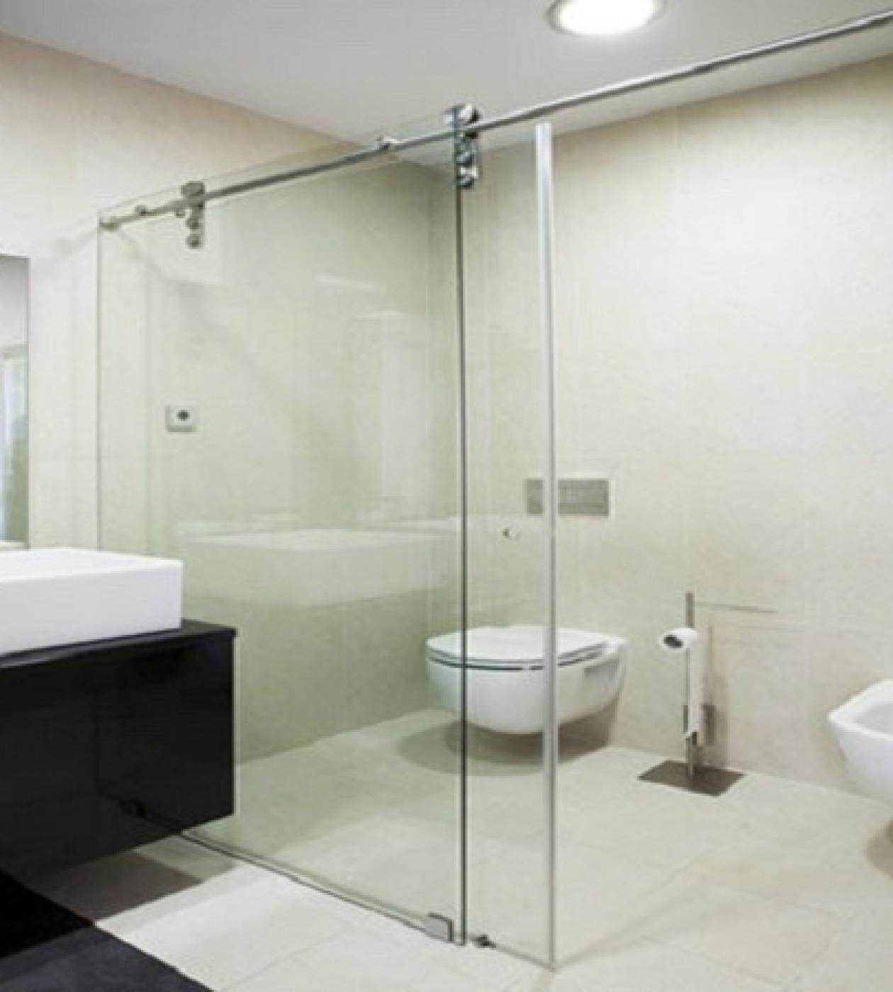 Phòng tắm vách kính cửa trượt lùa
