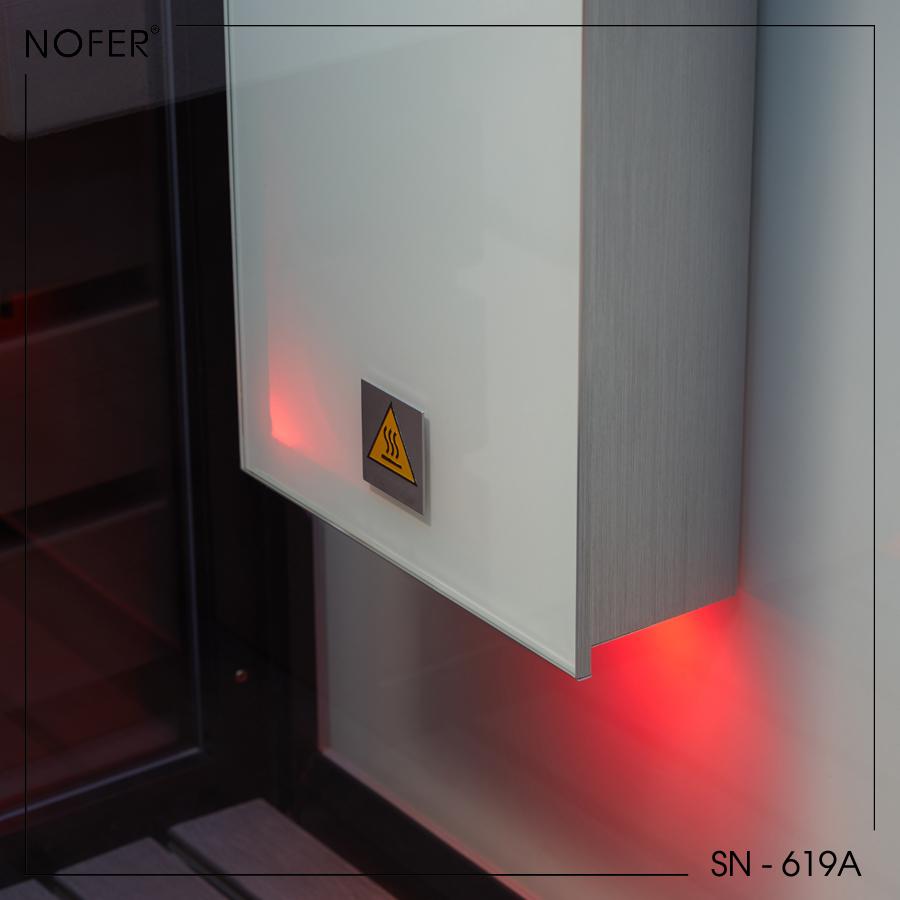 Hệ thống đèn lắp đặt ngay dưới bảng